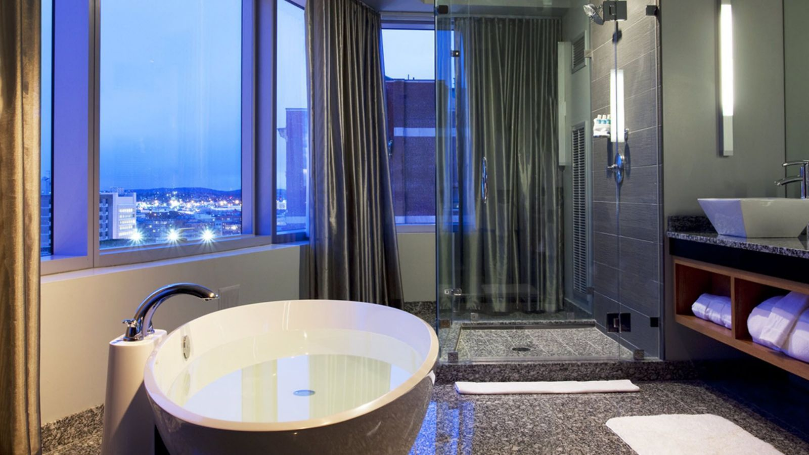 Hotel Suites in Boston | W Boston